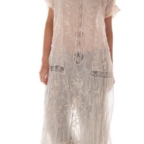 Anna Grace Roses Dress